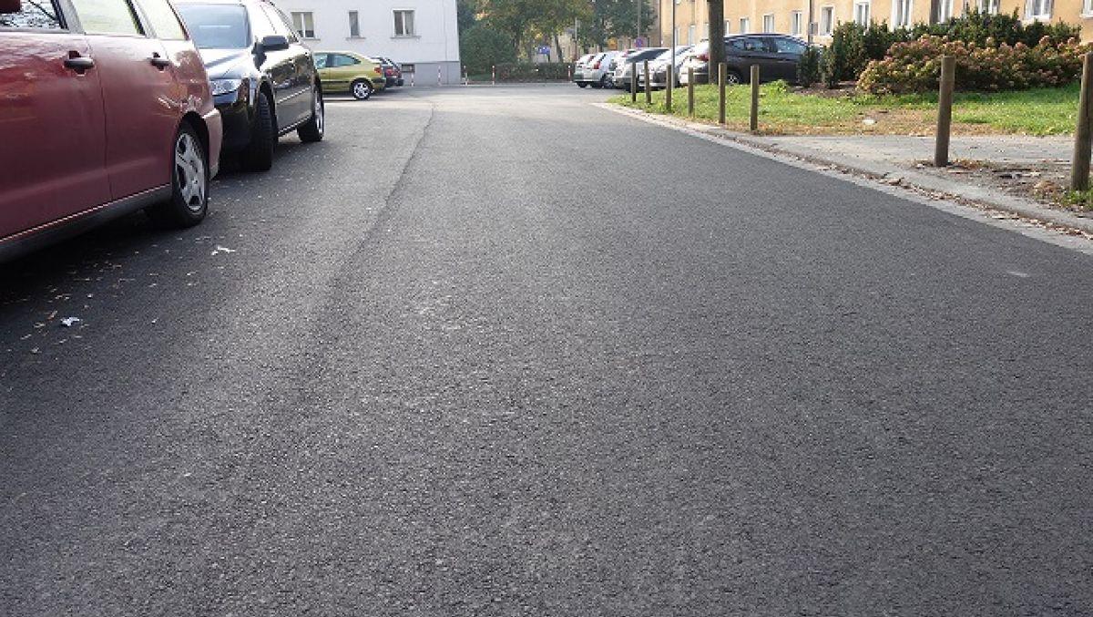 Nowa nawierzchnia jezdni na ulicy Owsianej