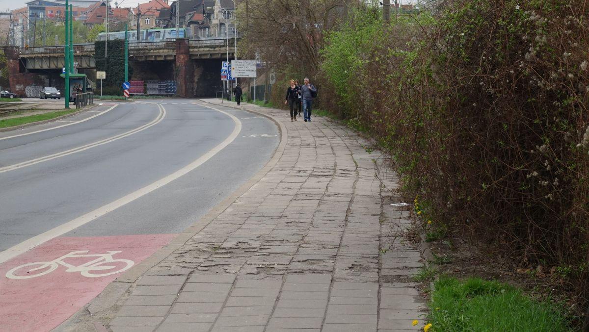 Chodnik na ul. Pułaskiego zyska nową nawierzchnię