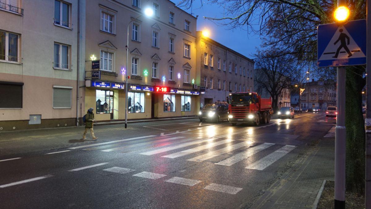 Ulica Główna z kolejną aktywną zebrą