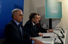 Konferencja prasowa dotycząca stacji ładowania pojazdów elektrycznych