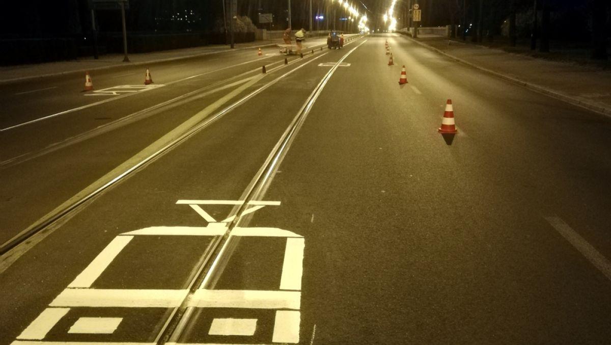 Piktogramy pokazują kierowcom, ile miejsca zajmuje tramwaj
