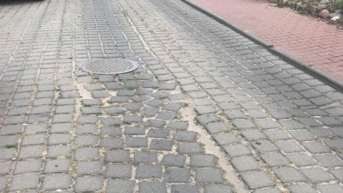 Remont nawierzchni jezdni na ulicy Żegockiego