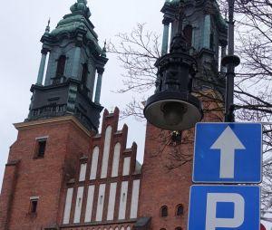 W niedzielę festyn na Ostrowie Tumskim - informacje komunikacyjne