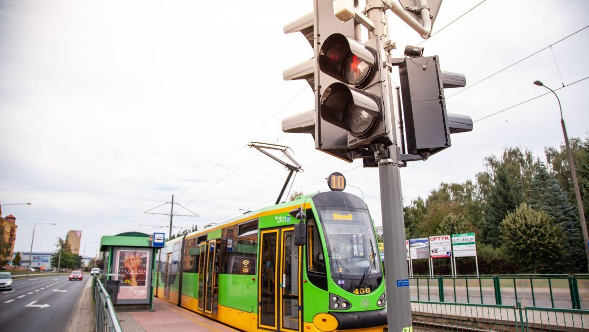 Komunikacja miejska bardziej punktualna dzięki sygnalizacji świetlnej