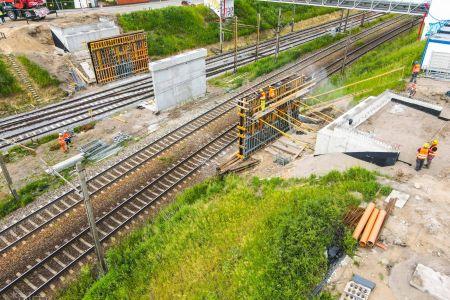 Trwa przebudowa wiaduktu w ciągu ul. Gołężyckiej