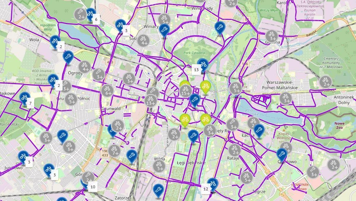 Fragment mapy prezentującej wolne miejsca na stacjach roweru miejskiego