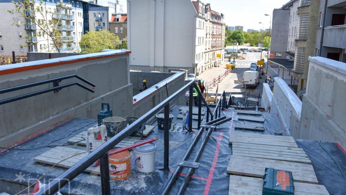 Przebudowa schodów na ul. Spychalskiego coraz bliżej końca