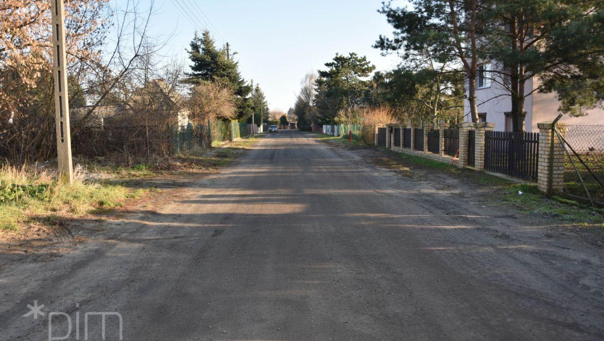Ulica Tarnobrzeska zyska jezdnię i chodnik z prawdziwego zdarzenia