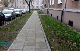 Nowy chodnik i bardziej zielono na ul. Tokarskiej