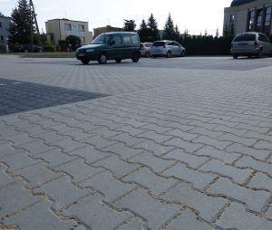 Nowy parking przy zbiegu ulic Ścinawskiej i Kurcewiczówny