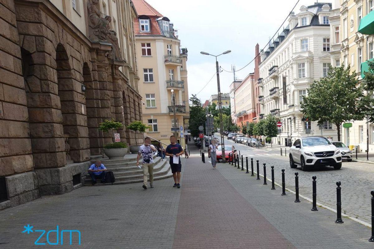 Ulica Młyńska - chodnik dla pieszych