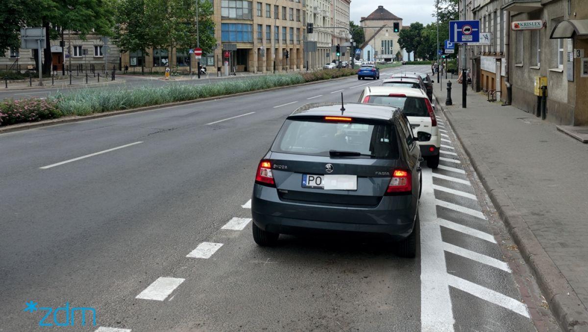 By samochody nie zastawiały chodnika